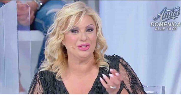 UeD: Tina Cipollari porta un messaggio da parte di Giorgio Manetti a Isabella Ricci